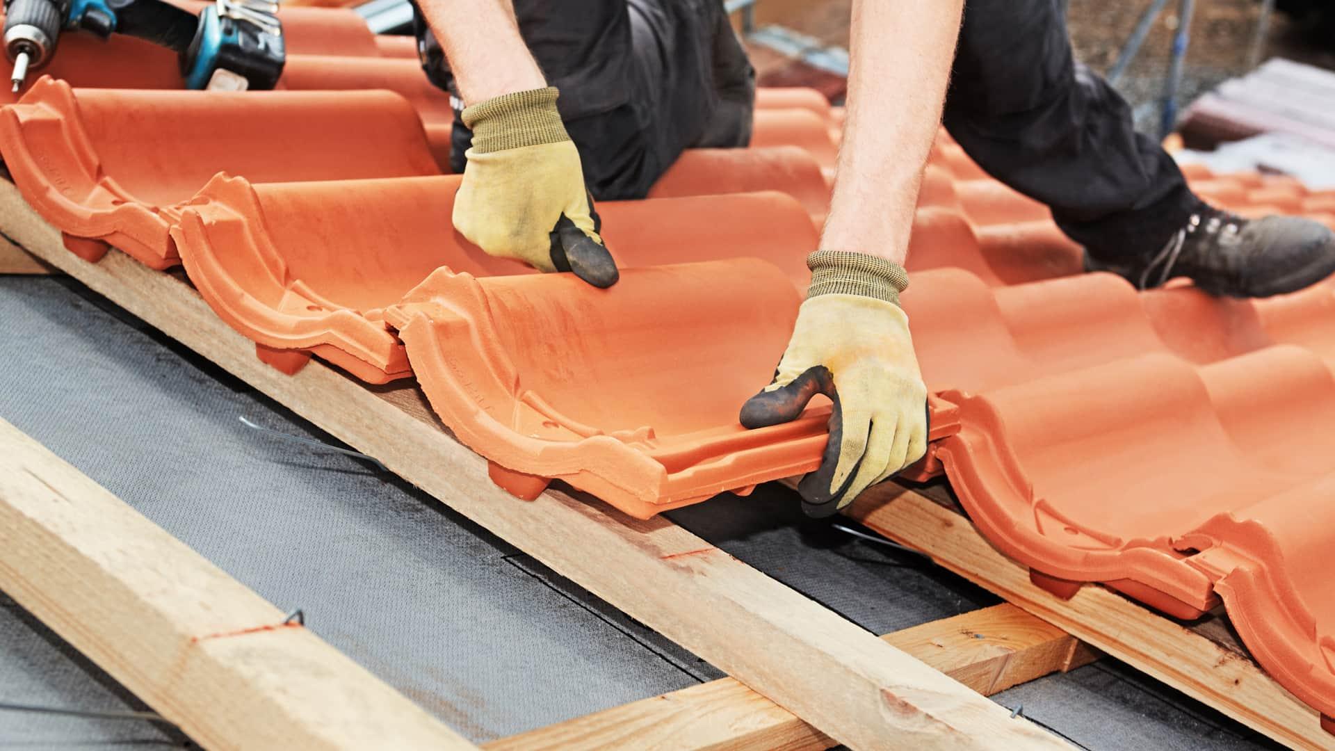 Nicht das Dach vergessen, wenn es um Energiesparen geht.