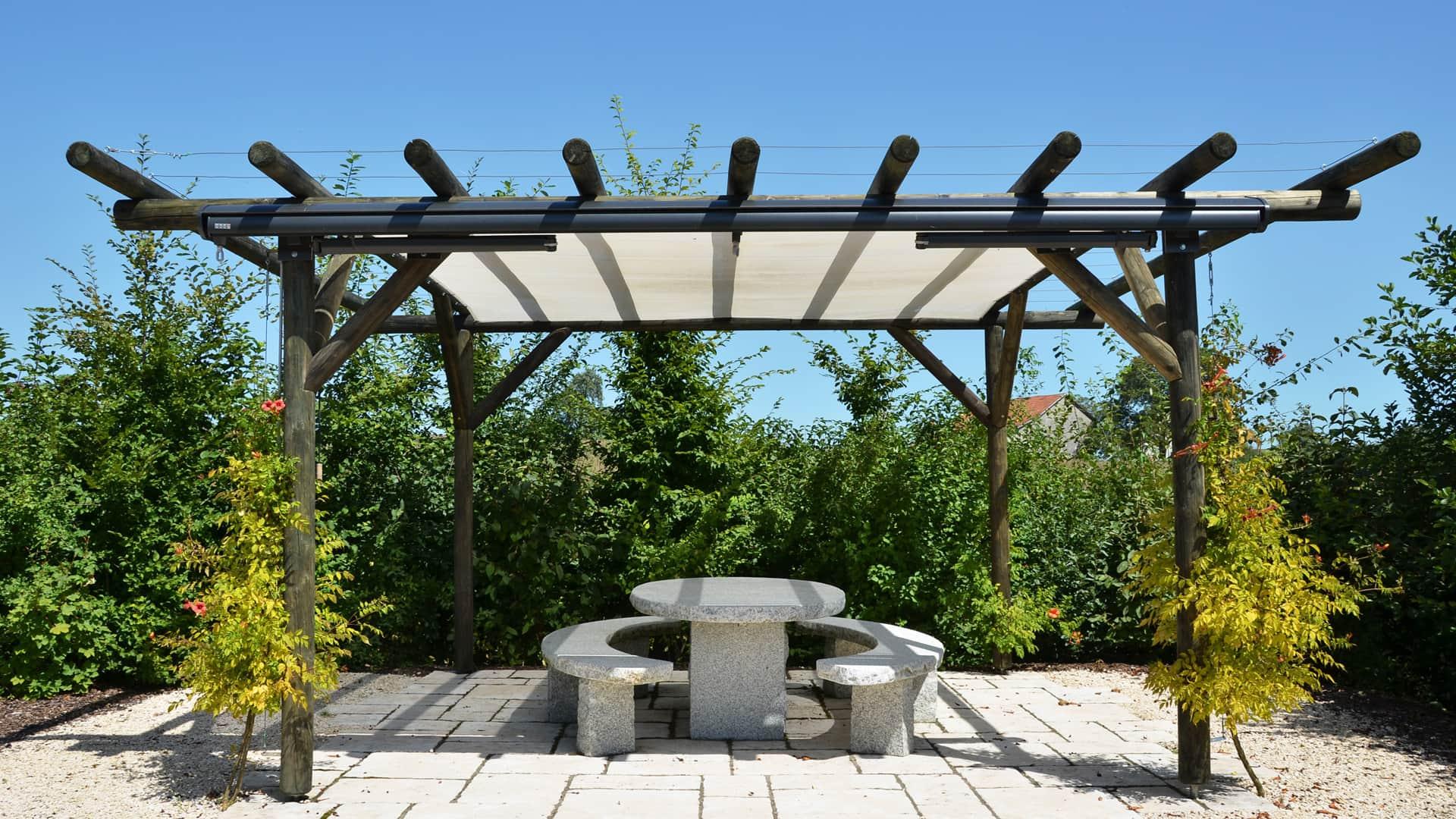 Die Oase der Ruhe und Gemütlichkeit im Garten - ein eigener Pavillon.