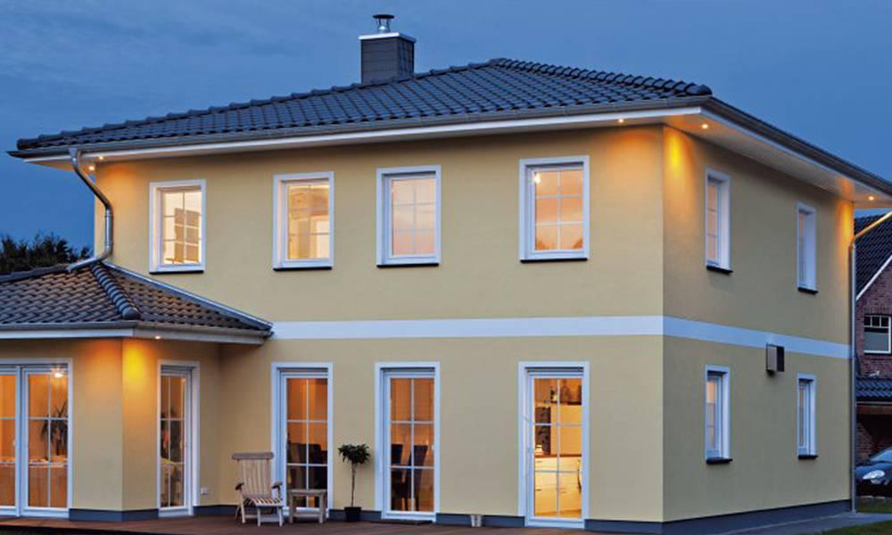 Villa Verona: Moderne Toskana-Stadtvilla mit Walmdach - Roth-Massivhaus